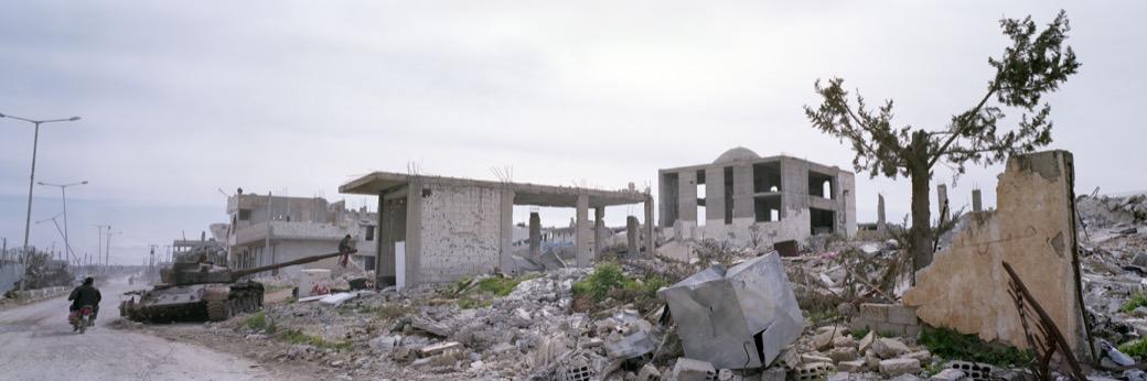 039_1788Kobane_tank+mosque+tr Kopie